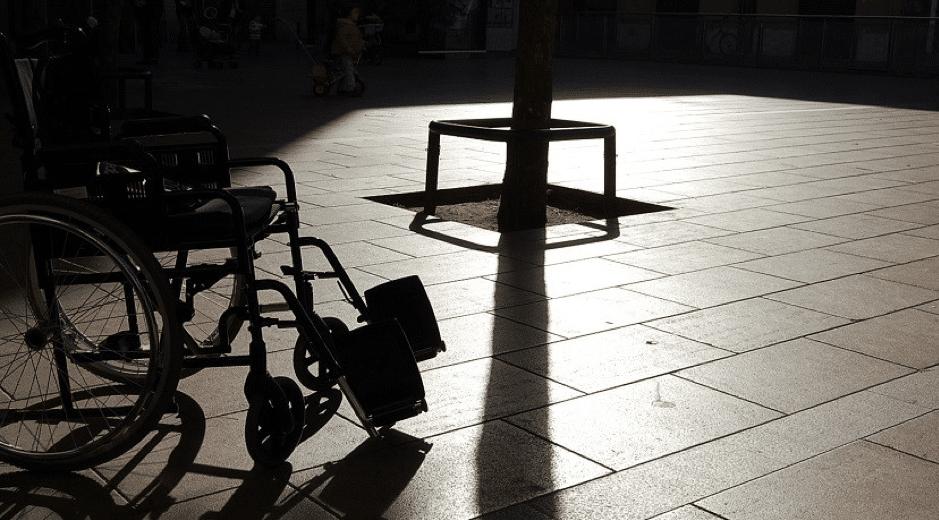 silla de ruedas sombra